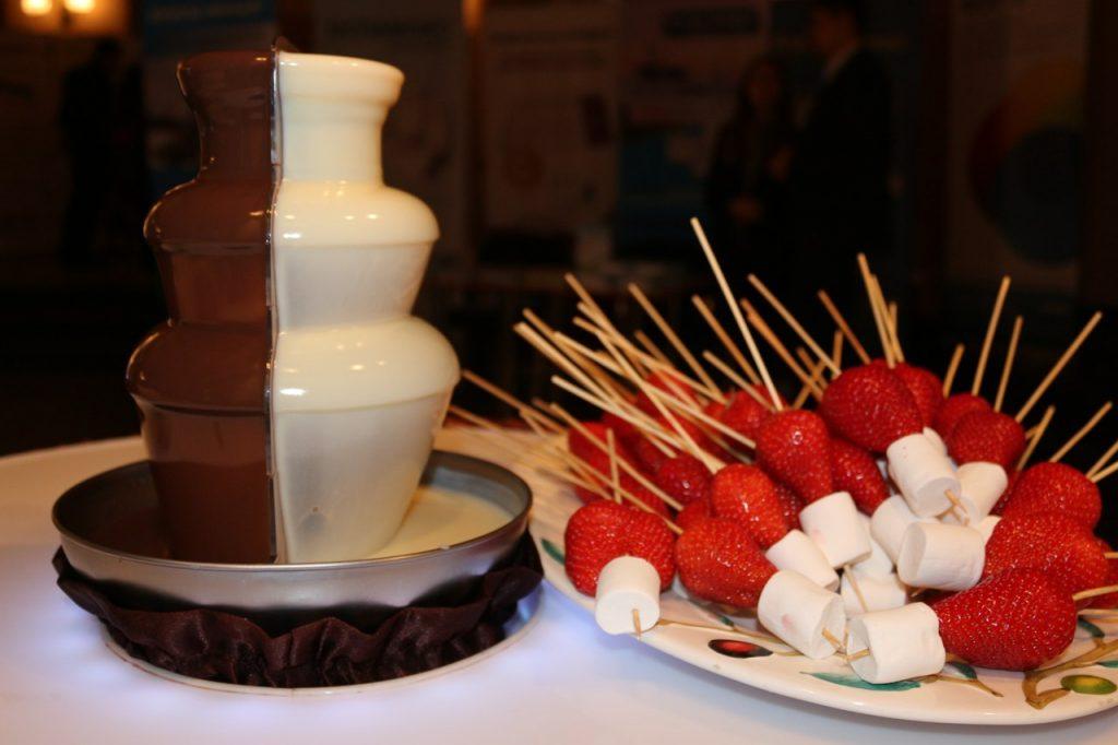 шоколадный фонтан на дне рождения