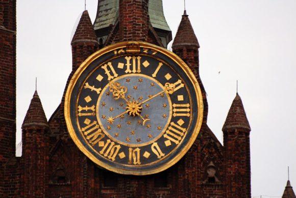 часы на башнях