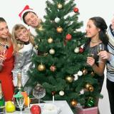 """Сценарий новогоднего вечера для взрослой компании дома """"Застольный для ленивых"""""""