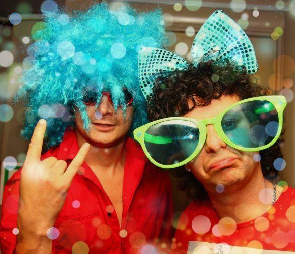 10 супер-сценок без подготовки на новый год с музыкой
